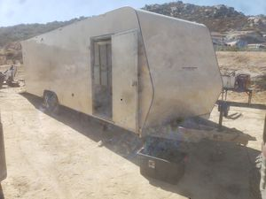 28 foot enclosed trailer for Sale in Campo, CA