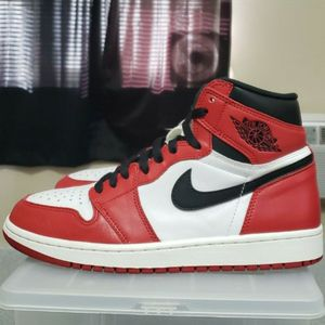 Mint 2015 Chicago 1's [Size 9][Rep Box!][CheckCheck Authenticated!] [Firm! Will Not Entertain Anything Lower Since They Are Going For No Less Than 2k] for Sale in Bristol, CT