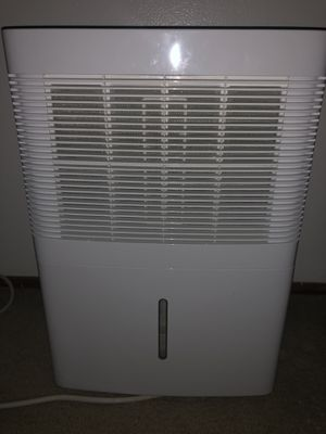 30 Pint GE Dehumidifier for Sale in Pittsburgh, PA