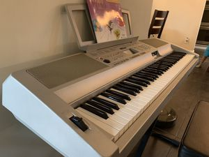 Yamaha Keyboard Piano for Sale in Tamarac, FL