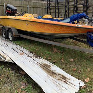 21 Foot Bass boat for Sale in League City, TX