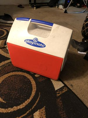 Cooler size medium for Sale in Downey, CA