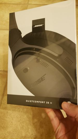 Bose Quiet Comfort 35ii wireless headset headphones- New unopened for Sale in Hickory Creek, TX