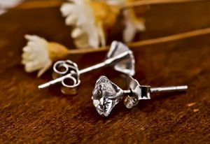 4cts Round Cut Diamond Stud Earrings for Sale in Aspen Hill, MD