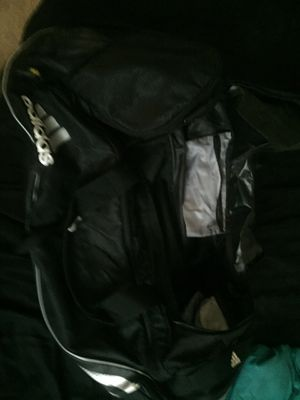 Adidas duffle bag for Sale in Germantown, MD