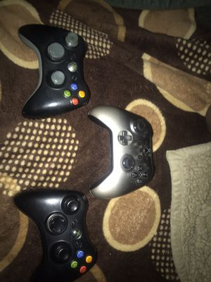 Xbox controllers for Sale in Glendale, AZ