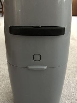 Brand New Unused Litter Genie With An Unipened Package Of Bags for Sale in Tacoma,  WA