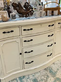 Refinished White Farmhouse Buffet / Dresser for Sale in Sumner,  WA