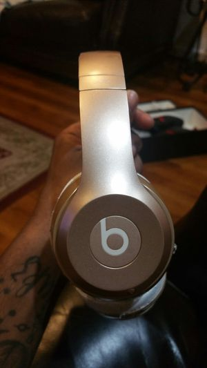 Beats solo 3 wireless for Sale in Brooklyn, NY