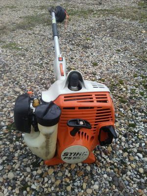 STIHL. F S 55 R C weedeater trimmer for Sale in Dallas, TX