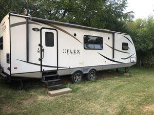 Flex by Augusta 30 foot camper for Sale in Homer Glen, IL