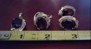 Beautiful Garnet & Diamond Jewelry Set (Earrings, Ring, & Pendant) In 14k Gold for Sale in Tacoma, WA