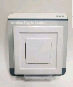 Hampton Bay Wireless Plug-in Door Chime Receiver. New, 7 are Available. PRICE IS NOT NEGOTIABLE. for Sale in Palatine, IL