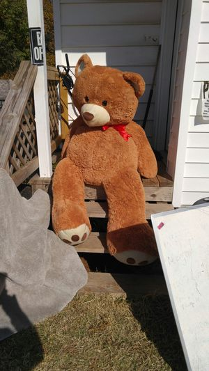 "Giant Teddy bear 4 '-6"", very clean for Sale in Midwest City, OK"