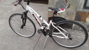 Schwinn woman's bike works great needs a tube in front tire for Sale in Portland, OR