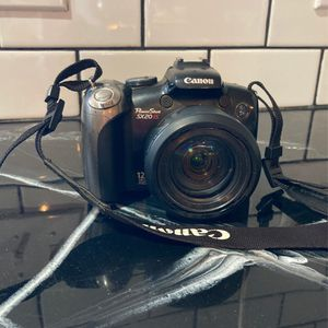 Canon Camera 20x Zoom With FREE Case for Sale in Vernon, AZ
