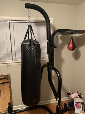 Punching bag set (SERIOUS BUYERS ONLY PLEASE) for Sale in Memphis, TN