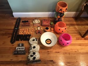 Misc fall / Halloween decorations for Sale in Manalapan Township, NJ