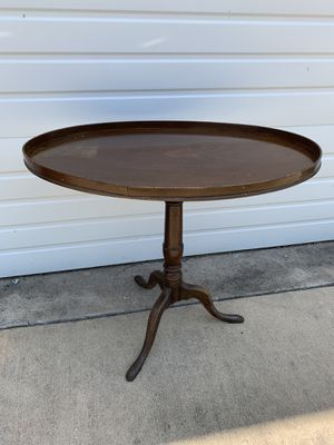 Antique Side Table for Sale in Princeton, TX
