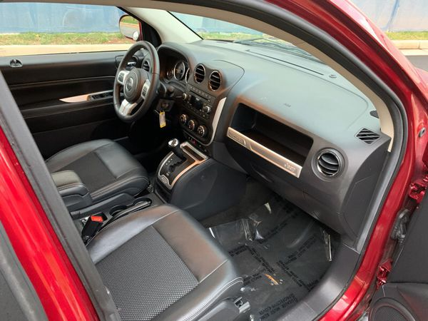 2017 Jeep Compass $15400