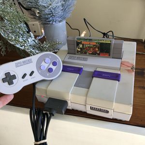 Super Nintendo With Donkey Kong for Sale in Camp Pendleton North, CA