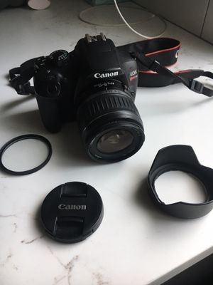 Canon EOS t6 DSLR camera for Sale in Everett, WA