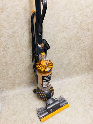 Dyson Multi Floor 2 Vacuum Cleaner for Sale in Tacoma, WA