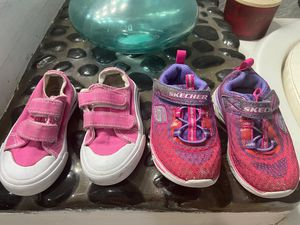 2 pair of toddler shoes for girls for Sale in Las Vegas, NV