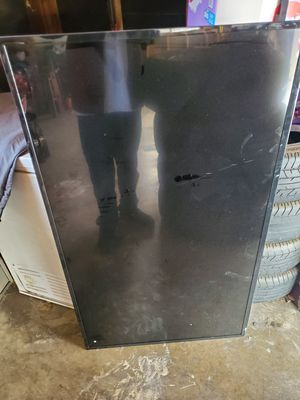 55in vizo powers on.. for Sale in Stockton, CA