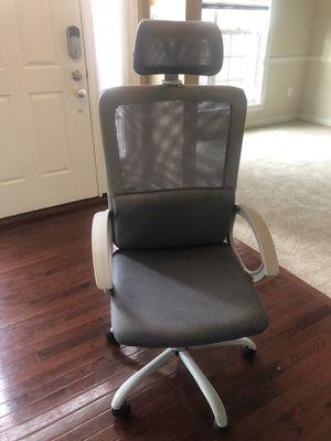 Adjustable Headrest Mesh Office Desk Chair for Sale in Brandywine, MD