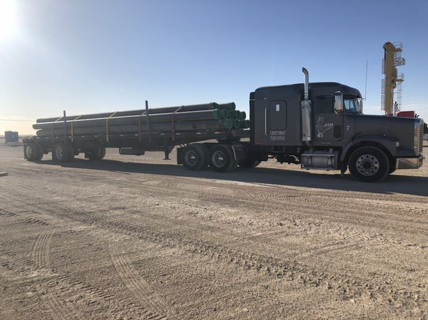 2002 Freightliner FLD 120 Semi Truck with Sleeper and PTO Wet Kit  for Sale  in Pecos, TX - OfferUp