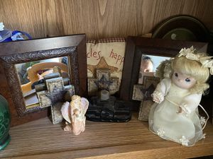 All PRIMITIVE ITEMS. Whole shelf selling together, everything you see in picture. for Sale in Cottle, WV