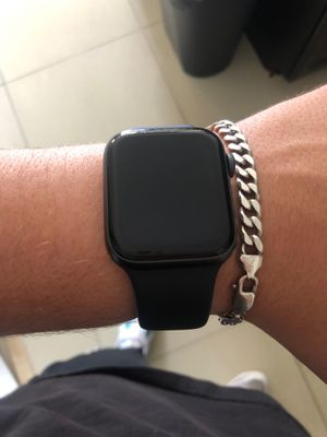 Apple watch 4 series 44mm for Sale in Miami, FL