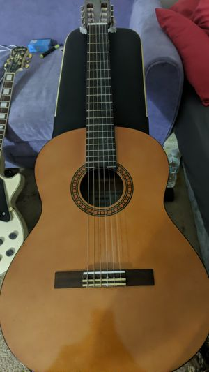 Yamaha acoustic guitar for Sale in Miami, FL