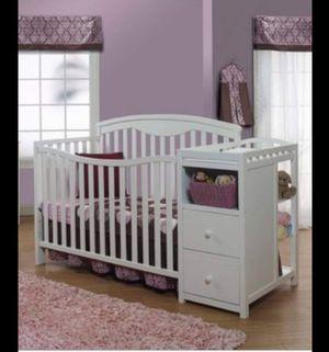 Baby crib ( Mattress) changing table for Sale in Lynchburg, VA