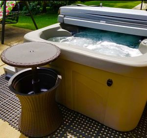 Cool Bar Outdoor Patio Furniture and Hot Tub Side Table with 7.5 Gallon Beer and Wine Cooler, Espresso Brown for Sale in Katy, TX