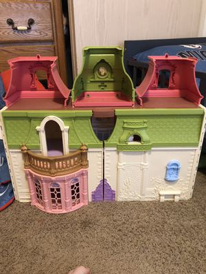 Fisher price doll house for Sale in Damascus, OR