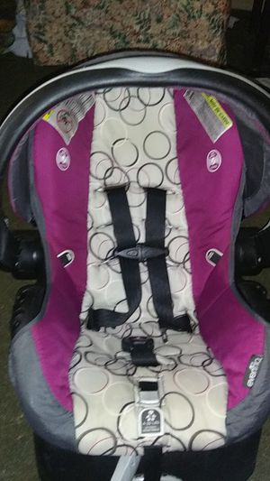 Infant car seat for Sale in Powdersville, SC