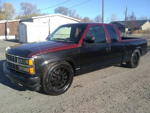 Lowered 93 Chevy Silverado with new motor 5.7L for Sale in Prineville, OR