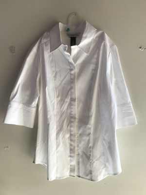 White House black market white collared shirt 6 for Sale in Clermont, FL