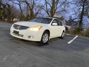 2010 NISSAN ALTIMA WITH LEATHER PUSH START for Sale in Ellicott City, MD
