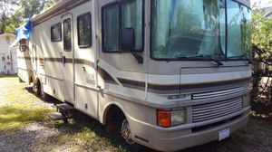 RV - 97' Fleetwood Bounder with Genset5500 for Sale in Tampa, FL
