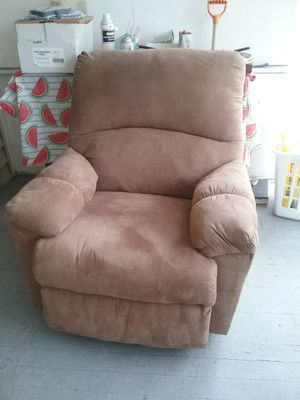 Reclining Chair Suede for Sale in Rockville, MD