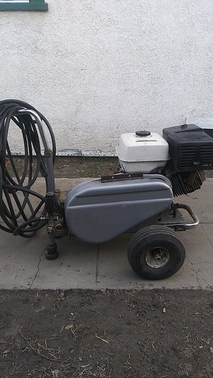 Pressure washer honda gx340 11hp 3500psi belt drive in excellent conditions ready to use for Sale in Bell Gardens, CA