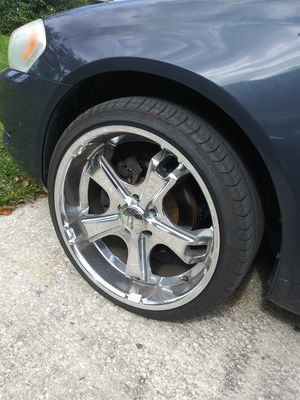 20 inch rims chrome for Sale in Lakeland, FL