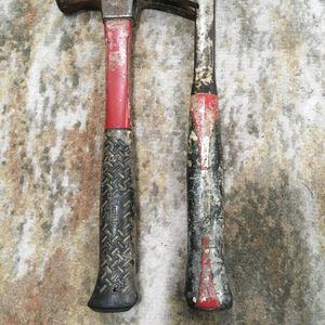 2 Husky hammers descent condition for Sale in Chicago, IL