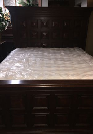 King bedroom set for Sale in Front Royal, VA