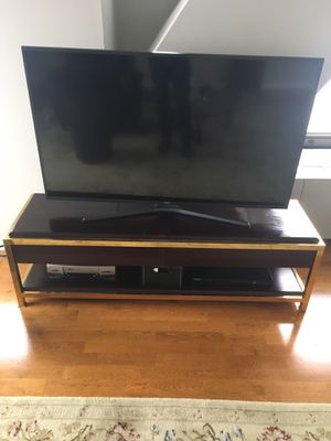 tv stand for sale! for Sale in Chicago, IL