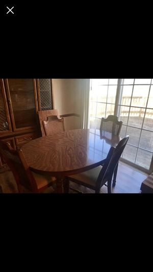 Dinning room set with China/buffet cabinet for Sale in Murfreesboro, TN