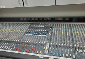 Allen and heath GL3800 with AD Converter for Sale in Mooresville, NC